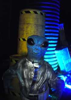 Steve_Redford_The_MiniMen_Alien_Spooktacular_Show_4