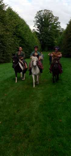Steve_Redford_The_MiniMen_your_Highness_movie_filmset_horse_riding_scene_copy_2