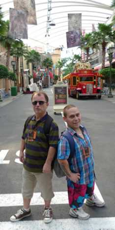 Steve_Redford_Kevin_OLeary_The_MiniMen_Universal_Studios_Singapore_2