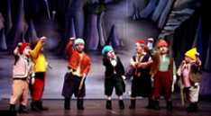 Steve_Redford_the_MiniMen_christmas_panto